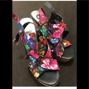 g by guess sandals size 8.5